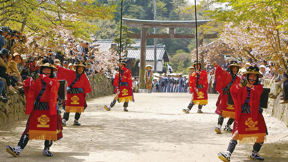 油日神社の文化財群